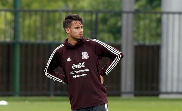 Fútbol: Herrera le ofrece a Reyes volver al América