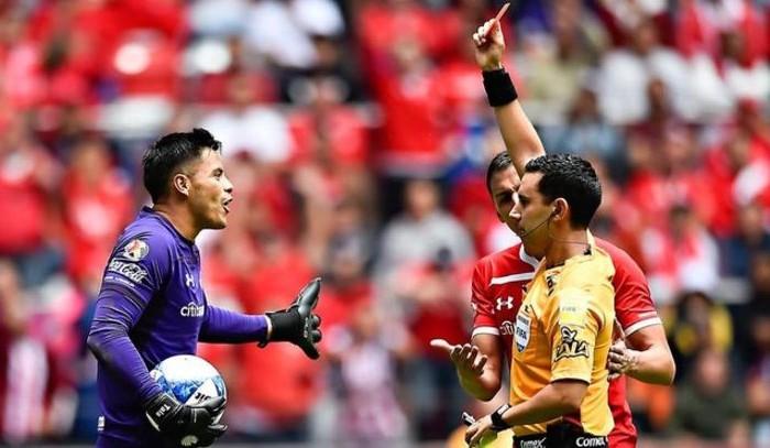 Futbol: Talavera es suspendido por la disciplianaria