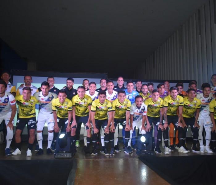 Futbol, Liga Premier: Real Zamora presenta su nueva piel
