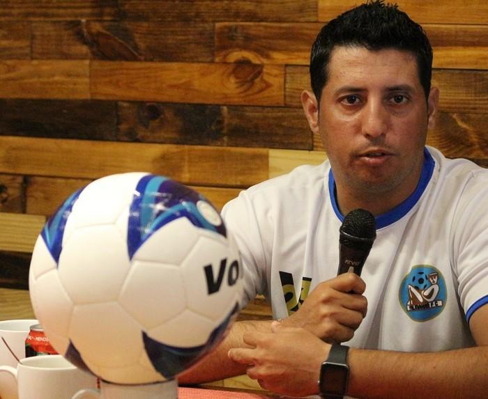 Futbol, Liga Premier:  Faltó definición