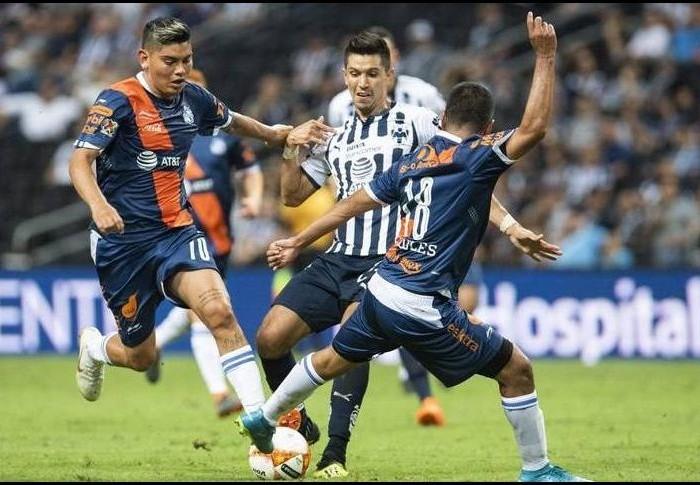 Fútbol: Rayados se acercó a segunda fase de la Copa empatando con Puebla