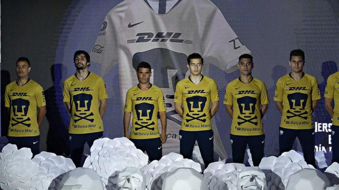 FUTBOL, LIGA MX: Pumas estrena camiseta, ¿de Rebel?