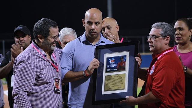 Beisbol, LBPRC: Rinden homenaje a Alex Cora y Medias Rojas