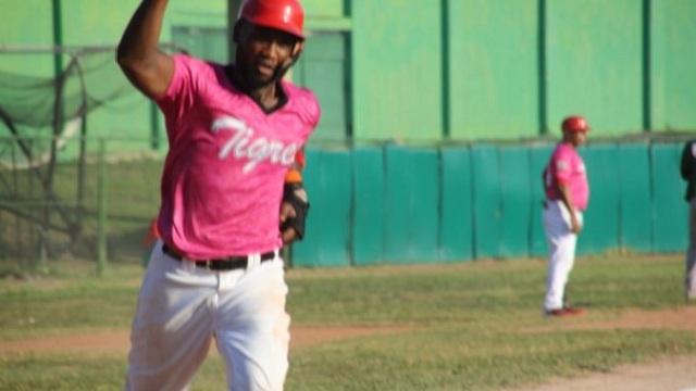 Beisbol, LCBP: Dotel y Pomares sentenciaron a los Toros