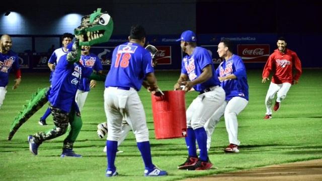 Beisbol, LCBP: Caimanes se impuso a Toros en 12 innings y toman la punta