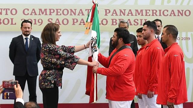 Beisbol, LMB: La Selección Mexicana fue abanderada por Ana Gabriela Guevara