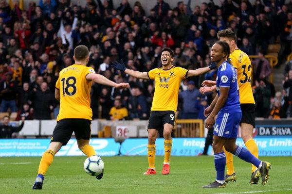 Fútbol: Wolverhampton estaría por comprar a Raúl Jiménez