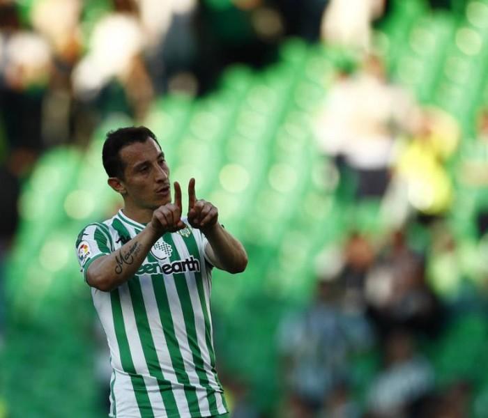 Fútbol, La Liga: Betis cae ante la Real Sociedad con Lainez y Guardado en la cancha.