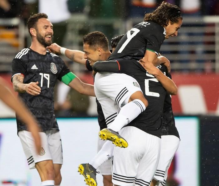 Fútbol: México aprovecha las facilidades defensivas de Paraguay para derrotarlo