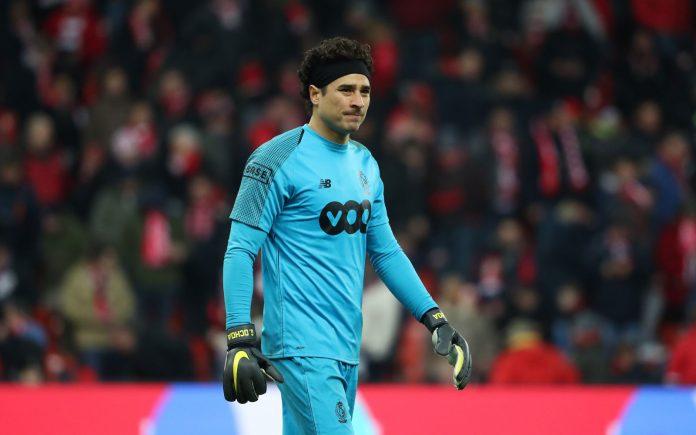 Fútbol: Ochoa y Standard comienzan los playoffs de la Liga Belga con victoria