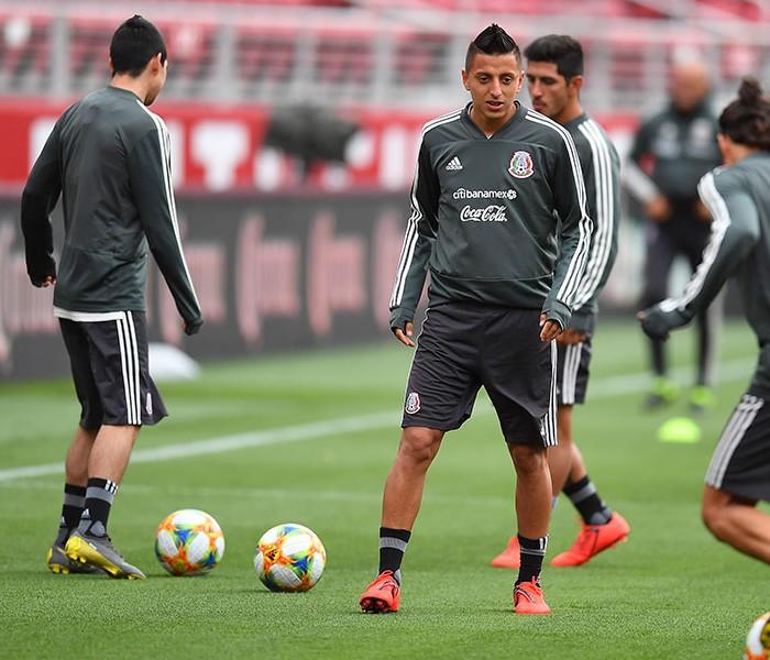 Fútbol: México finalizó su preparación para enfrentar a Chile