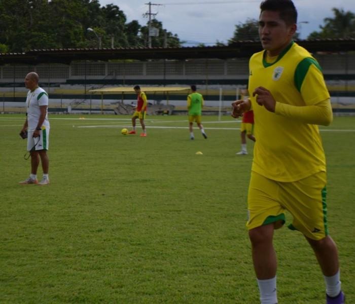 Futbol: Momia Gómez no continuará en Loros