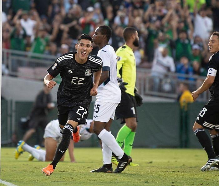 Fútbol: México comienza la Copa Oro goleando a Cuba