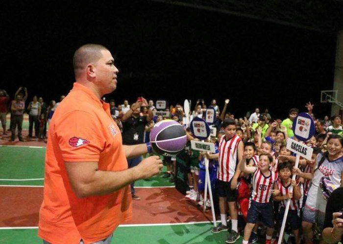 Baloncesto: Horacio Llamas compartirá sus experiencias