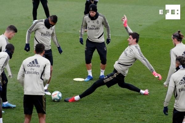 """Futbol: El Madrid con sorpresas de cara a """"El Clásico"""""""