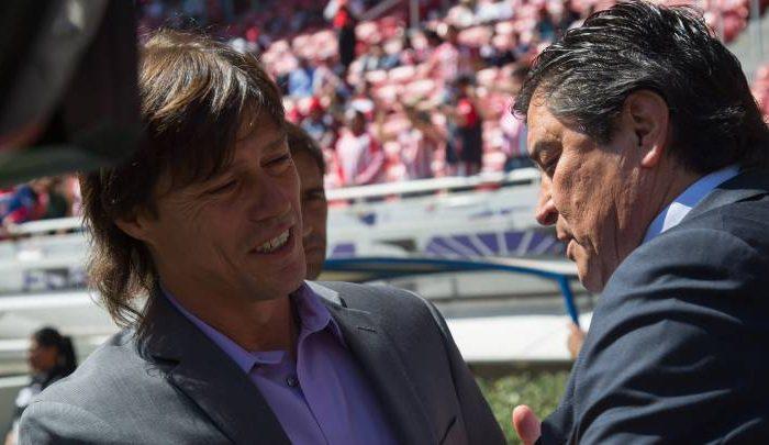 Fútbol: Se comunica con Tena