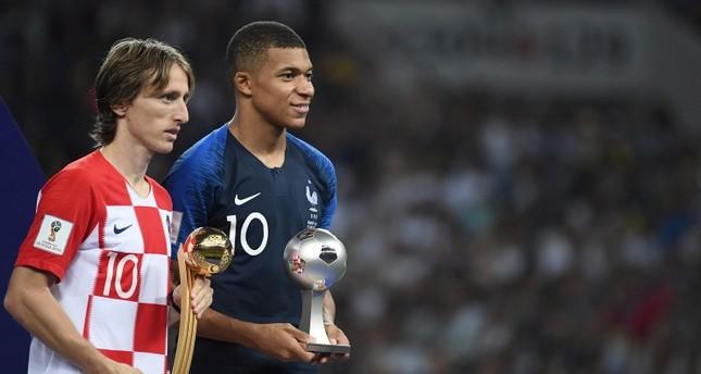 Futbol: Modric le lanza indirecta a Kylian Mbappé
