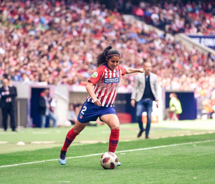 Una se queda y otra se va… Kenti Robles deja el Atlético de Madrid