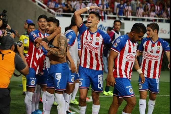 Por si las dudas… Chivas aísla jugadores