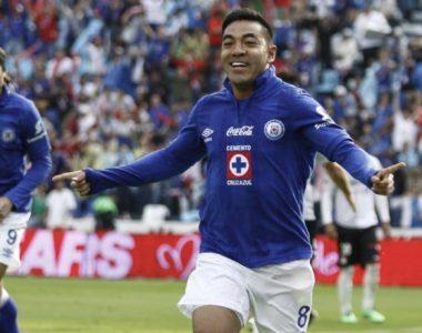 Marco Fabián podría llegar a Cruz Azul