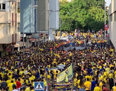 Aficionados del Cádiz salen a celebrar en medio de la pandemia por el Covid-19