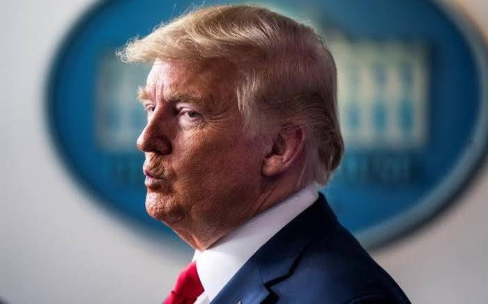 """Trump en contra de protestas racistas: """"No se arrodillen cuándo la bandera sea alzada"""""""