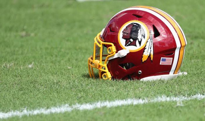¿Y con eso se arregla el rascismo?… Los Redskins cambiarían de nombre