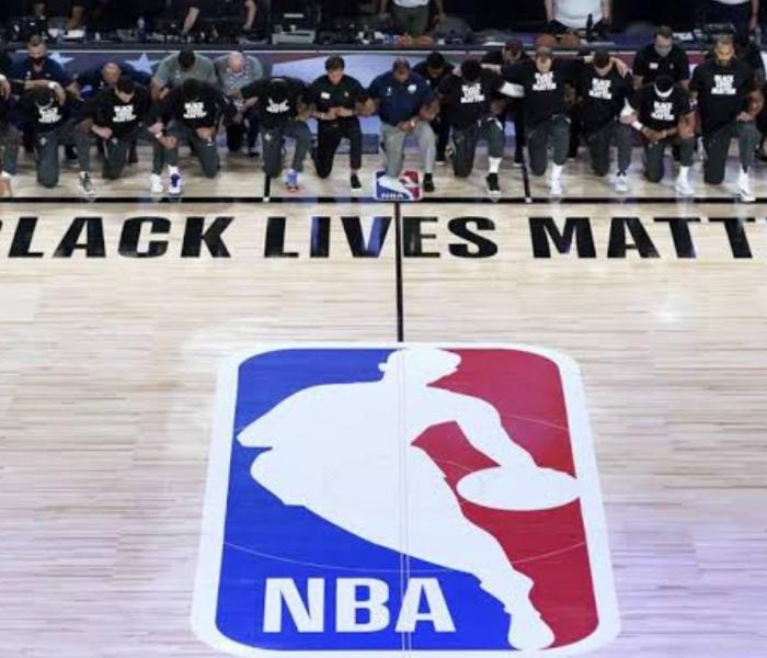 No le hacen caso a Trump, jugadores de la NBA se siguen arrodillando