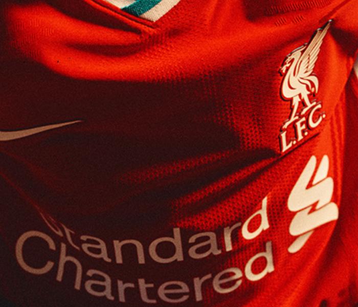 Liverpool: El campeón de Inglaterra estrena nueva playera
