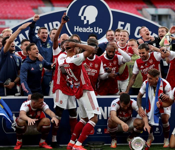 Arsenal se aleja como máximo campeón de la FA CUP