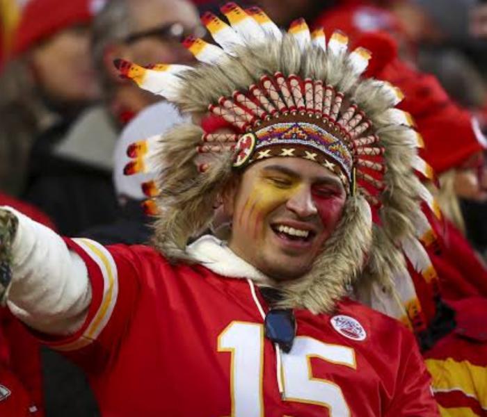 NFL: Kansas le prohíbe a sus aficionados vestirse de Indios