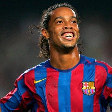 Ronaldinho para estrella de cine