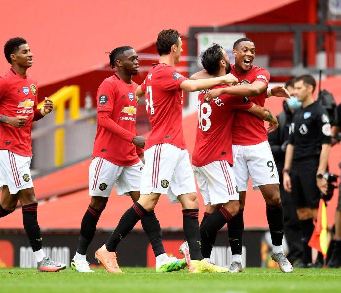 Manchester United sufre pero termina ganando