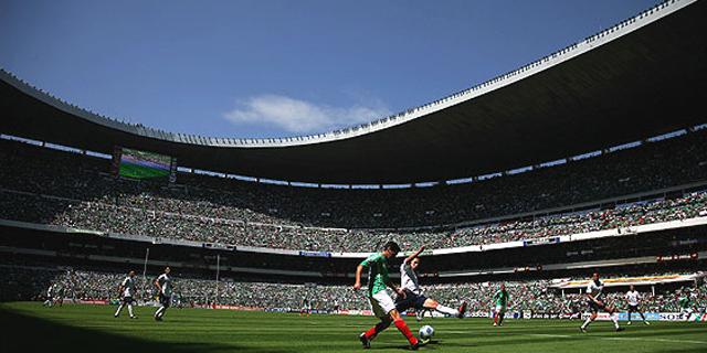 Estadios podrían abrir antes de los esperado, analiza la FMF