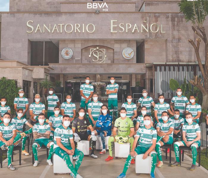 Santos Laguna se toma su foto oficial en un sanatorio