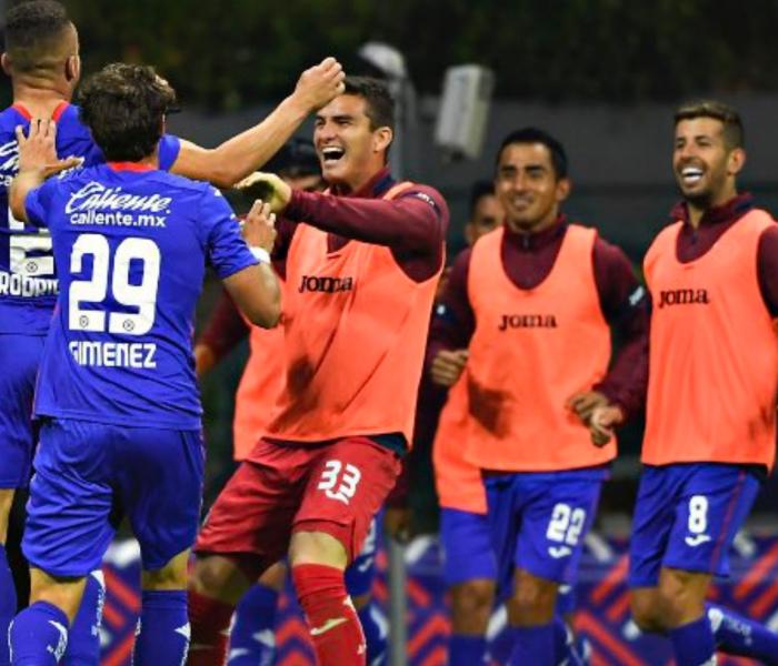 Cruz Azul logra sacar la victoria al minuto 90 contra Pachuca