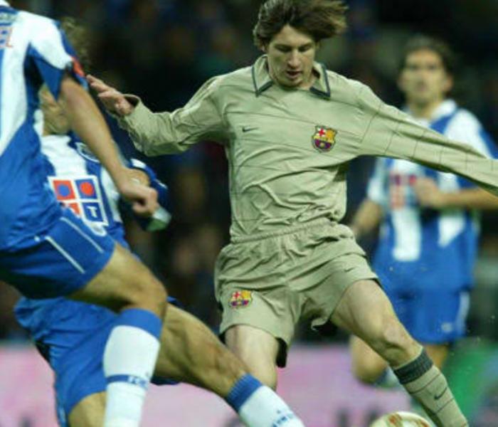 Messi cumple 20 años con el Barcelona