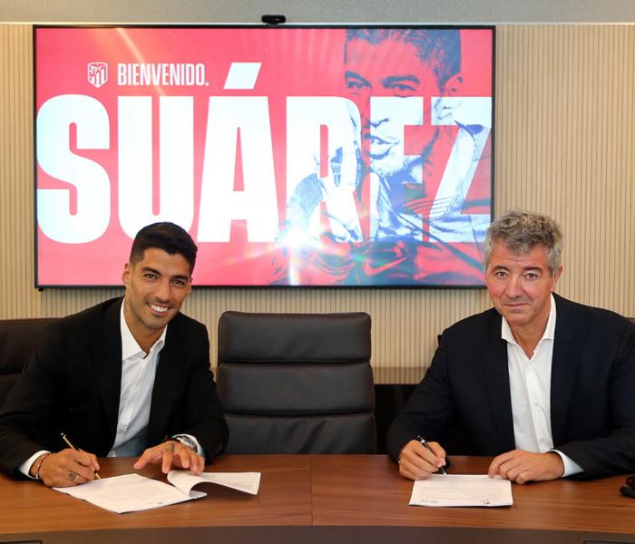 Suárez es presentado con el Atlético…esta fue su reacción