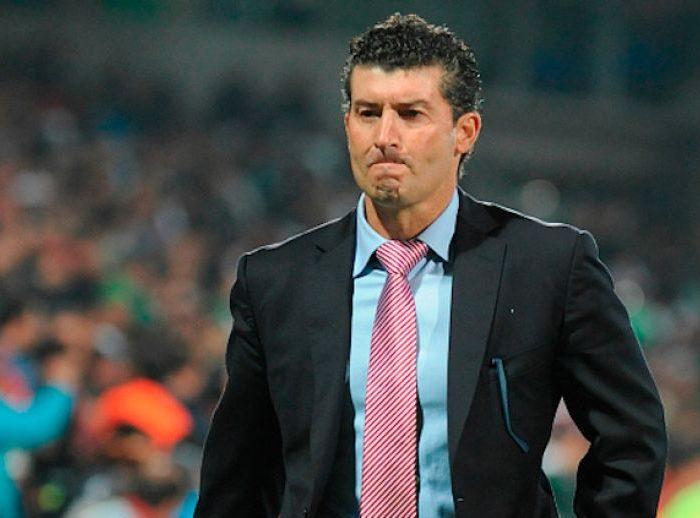 """""""Al Chepo le cuesta mucho hacer un grupo"""" ex jugador de Chivas"""