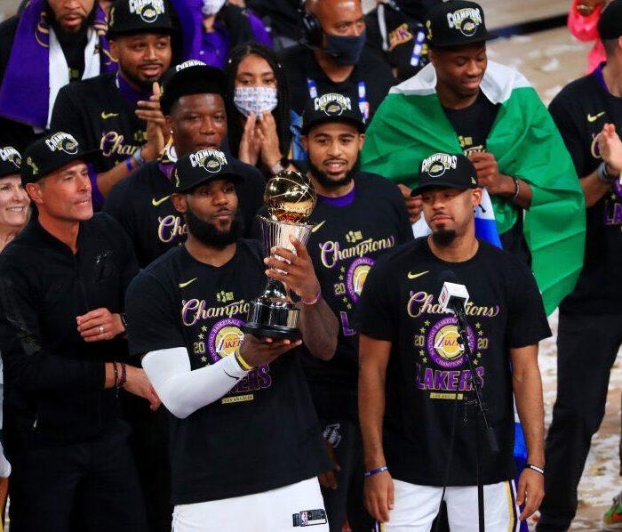 Se acabó la malaria, Los Lakers se coronan campeones