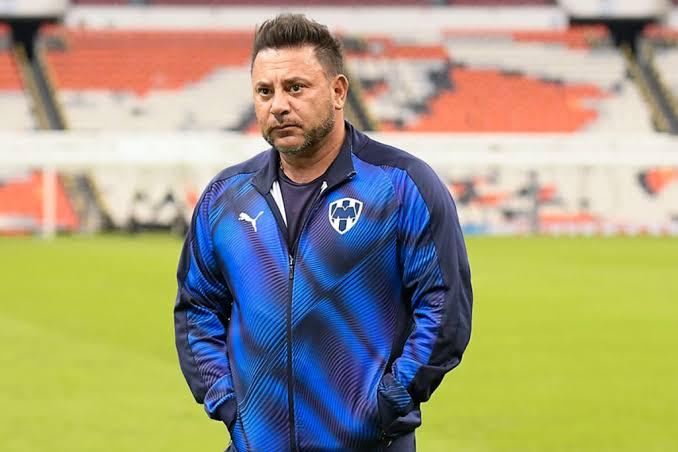 Antonio Mohamed se va de Rayados