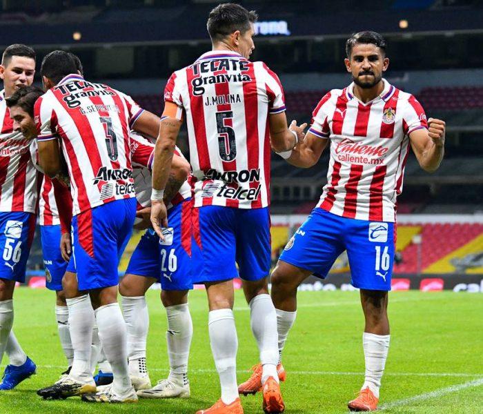 Chivas registra a Alexis Peña pese a indisciplina