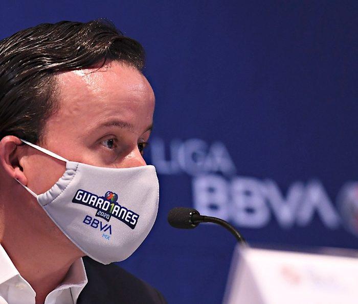 Mikel Arriola compraría vacunas contra Covid-19