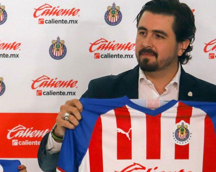 Chivas pide a afición comprar jerseys para traer refuerzos